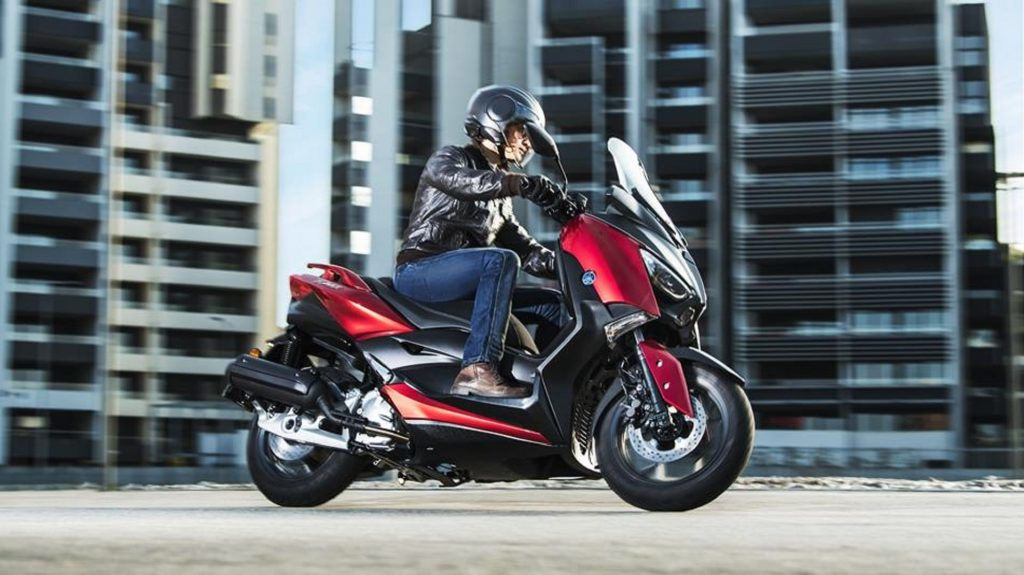 2018 Yamaha XMAX 125 radical red