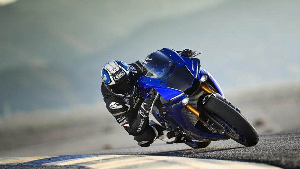 2018 Yamaha YZF-R1 blue