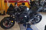 Yamaha MT-10 schwarz 2017 Seitenansicht links