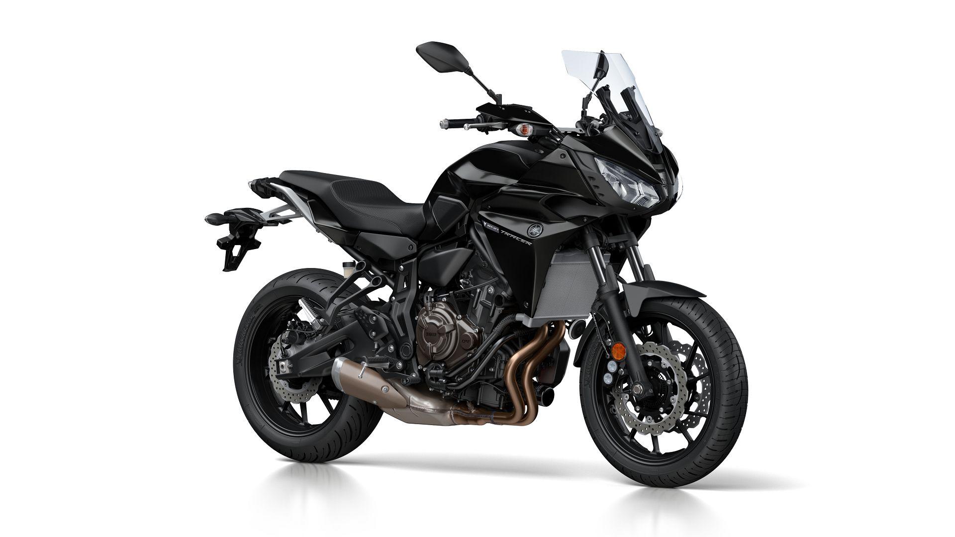 Yamaha Tracer 700 schwarz 2017 Seitenansicht rechts vorn